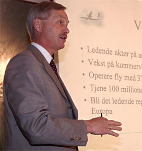 - HAR KOSTET: leder i flyselskapenes landsforening, Per Arne Watle, mener flykaoset den siste tiden har kostet 100 millioner kroner. (Foto: Per Løchen / SCANPIX )