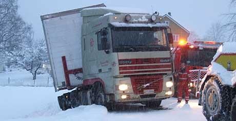 Ein trailer glei utfor vegen i Stryn. Foto: Jan Ivar Vik