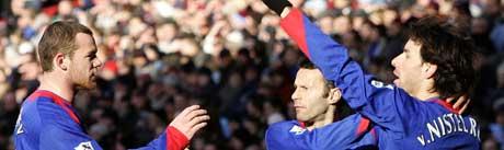 Rooney, Nistelrooy og Giggs. (Foto: Reuters/ SCANPIX)