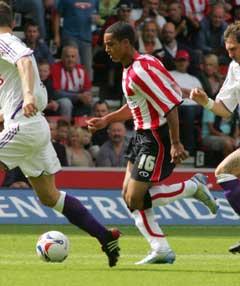 Theo Walcott i aksjon for Southampton. (Foto: AFP/Scanpix)