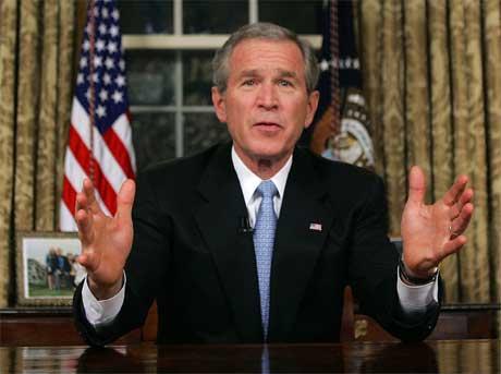 George W. Bush under sin TV-tale til folket i natt. (Foto: Scanpix / Reuters)