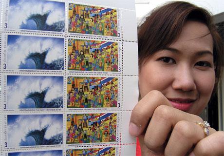 Thailand lanserer minnefrimerker for å markere ettårsdagen for tsunami-katastrofen 26. desember. (Foto: Pornchai Kittiwongsakul)
