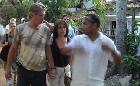 Geir Rommetveit og samboeren Vigdis Alver vendte tilbake til Sri Lanka tidligere i år for å se de flodbølgerammede områdene og snakke med lokalbefolkningen. (Foto: NRK/Faktor)
