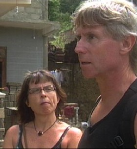 Geir Rommetveit og Vigdis Alver opplevde tsunamien på Sri Lanka. (Foto: NRK/Faktor)