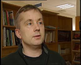 - Ap vil avvikle hele ordningen med festetomter, sier justisminister Knut Storberget (Foto: NRK)