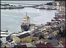 Måløy hamn er framleis ein mannsbastion. NRK-foto.