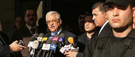 De stridende fraksjonene i Fatah-bevegelsen til Mahmoud Abbas ble onsdag enige om å stille seg bak presidenten under valget 25. januar. (Foto: Reuters/Scanpix)