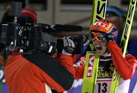 Roar Ljøkelsøy jublet over 2. plassen. (Foto: Reuters/Scanpix)