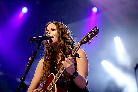 Kulturskolene har fostret mange kjente artister. Blant annet lærte Marion Ravn å spille gitar på kulturskolen i Lørenskog. Foto: Arne Kristian Gransmo, NRK