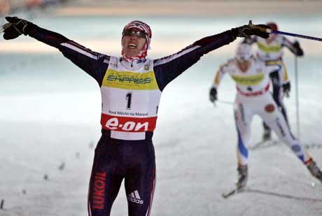 Alena Sidko vant klart foran Anna Dahlberg. (Foto: AP/Scanpix)