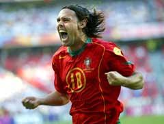 Maniche jubler etter å ha scoret for Portugal under EM i 2004. (Foto: AP/Scanpix)