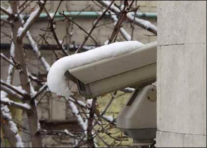 Januar 2006: Munch-museet blir ranet for enda flere bilder, etter at det nye overvåkingssystemet var blitt satt ut av spill.