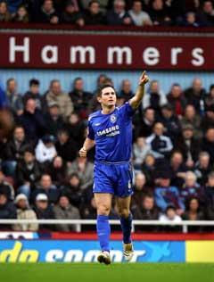 Frank Lampard feier scoringen. (Foto: AFP/Scanpix)