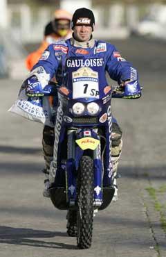 Cyril Despres leder motorsykkel-klassen. (Foto: AP/Scanpix)