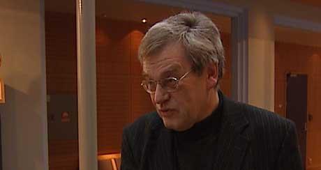 <b>Beroliger: </b>Arne Øren presierer at Askim's og andre kommuners ordfører får sine ord med i laget når det skal bestemmes hvor bomstajsonene skal stå. (Foto: Tomas Berger, NRK Østfold)