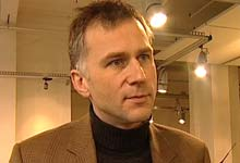 Tom Staavi, redaktør i Dine Penger. Foto: NRK/FBI