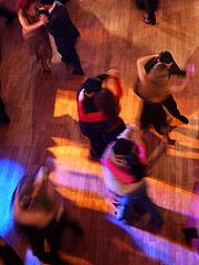 Vi danser selskapsdanser i Norgesglasset. Foto: AP Photo/Natacha Pisarenko