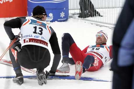 Odd-Bjørn Hjelmeset fikk en strekk i lysken under sprinten i Otepää. (Foto: Heiko Junge / SCANPIX)