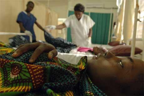 kvinner behandlet i kongo