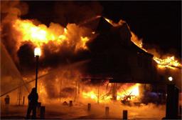 Tjemsland-huset brant ned til grunnen natt til søndag 8. januar 2005