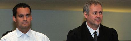 Lars Erik Andersen og advokat Steinar Wiik Sørvik. Foto: Scanpix