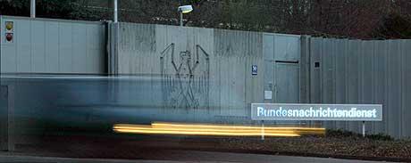 AVVISER: Tysklands føderale etteretning avviser at de hjalp USA under Irak-invasjonen. (Foto: Sebastian Widmann/AFP/Scanpix)