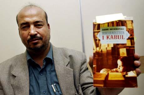 Bokhandleren i Kabul, Shah Mohammad Rais, får likevel komme til Liutteraturfestivalen i Lillehammer (Foto: Thomas Bjørnflaten / SCANPIX)