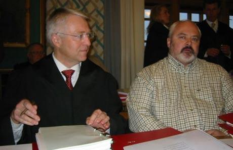 John Skjalg Lund (t.h) og advokat Geir Langhelle. Foto: Ann-Kristin Mo