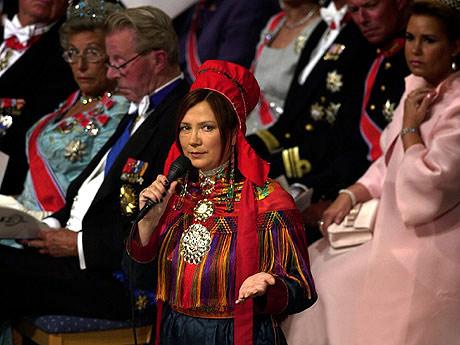Mari Boine synger under kronprinsbryllupet (Foto: Tor Richardsen / SCANPIX / POOL)