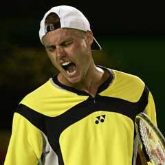 En fortvilet Lleyton Hewitt under kampen mot Juan Ignacio Chela. (Foto: AP/Scanpix)