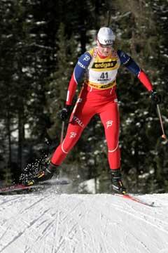 Linda Tjørhom på vei til femteplass i Anterselva. (Foto: Heiko Junge / SCANPIX)