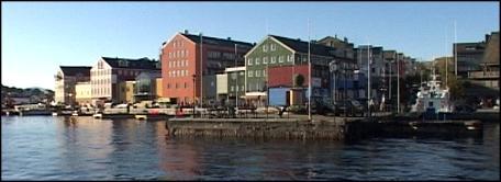Kjøpesenteret her på Storkaia i Kristiansund kan kanskje få bygårdene langs Vågekaia som neste nye handelssenter. Foto: Roar Strøm