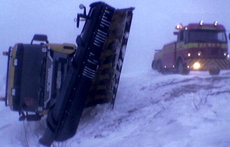Brøytebilen på Dovrefjell veltet da den prøvde å brøyte E6. Foto: Geir Olav Slåen