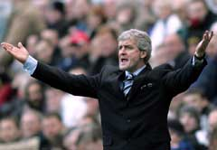 Blackburn-manager Mark Hughes på sidelinjen under kampen mot Newcastle. (Foto: AP/Scanpix)