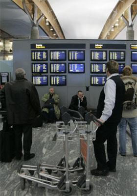 SAS Braathens måtte kansellere vel 25 prosent av sitt ruteprogram i dag. (Foto: Bjørn Sigurdsøn/Scanpix)