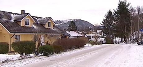 Her i Lifjellveien ble Ingrid-Elisabeth Berg skutt og drept i helgen. Foto: NRK
