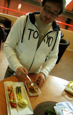Torsk står på lunsjmenyen denne uka. Alle foto: Elizabeth Higson, NRK