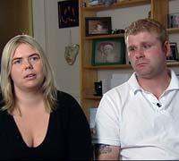 Foreldrene Cecilie Nlsen og Remi Eivik. Foto: NRK