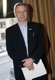 Direktør Petter Jansen orienterte fredag pressen om pilotkonflikten (Foto: Cornelius Poppe/SCANPIX)