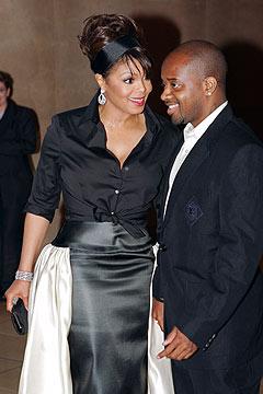 Janet Jackson sammen med kjæresten Jermaine Dupri, som også har produsert Mariah Careys album «The Emancipation of Mimi». Foto: Mark J. Terrill, AP Photo / Scanpix.