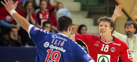 Norge mot Serbia og Montenegro under håndball-EM.(Foto: Scanpix)