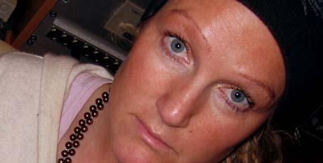 HARDT LIV: Livet uten mobil kan være trist, synes Kristin Rivrud. Foto: Anne Cathrine Syversen, NRK.
