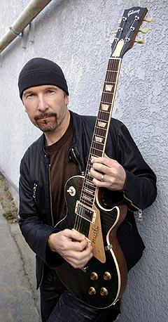 The Edge fra U2 ønsker å hjelpe de mange musikerne i New Orleans som ble rammet av orkanen Katrina. Foto: Chris Pizzello, AP Photo / Scanpix.