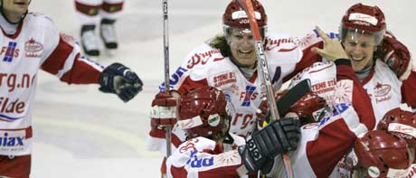 Stjernen så ut til å ha kampen i sin hule hånd inntil 3. periode. Da scorte Lillehammer tre mål på 90 sekunder og punkterte kampen. Foto: Heiko Junge / SCANPIX