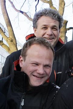 Radiosportens Øystein Ingdahl og Pål Thomassen vil bli hyppig å høre fra Torino-OL i dagene som kommer. (Foto: NRK/Ole Kaland)