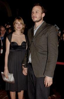 Ekteparet Michelle Williams og Heath Ledger på tur i Hollywood. (Foto: Scanpix)