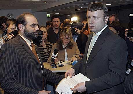 Redaktør Vebjørn Selbekk og lederen i Islamsk Råd i Norge, Mohammed Hamdan.(Foto:Scanpix)