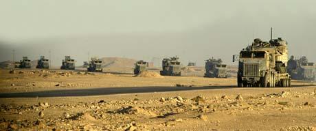 Det var langt mellom åpne banker i Irak under invasjonen. (Foto: Scanpix)