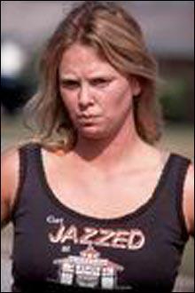 """Charlize Theron fikk Oscar for sin rolle som kvinnelig seriemorder i """"Monster"""". (foto: Scanbox)"""