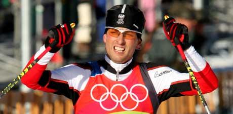 Mario Stecher jublet i det han gikk Østerrike inn til gull. (Foto: AP/Scanpix)